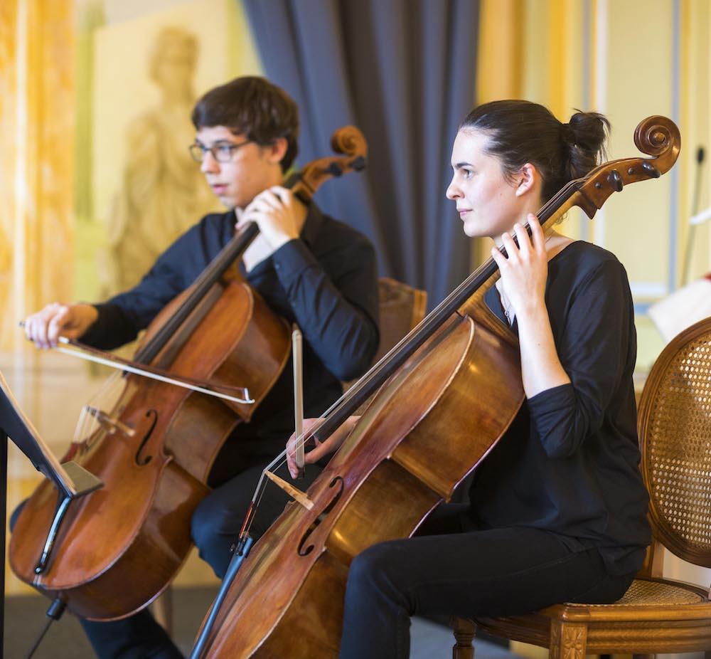 Deux violoncellistes de l'octuor du CRD