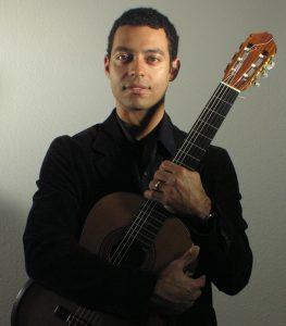 professeur de guitare Atahualpa Ferly